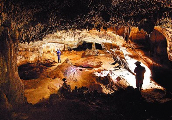 The humans at the Sima de los Huesos were ancestors of the Neanderthals